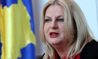 Politikania që e mbronte fusnotën e dëmshme për Kosovën, tash flet për bashkim kombëtar