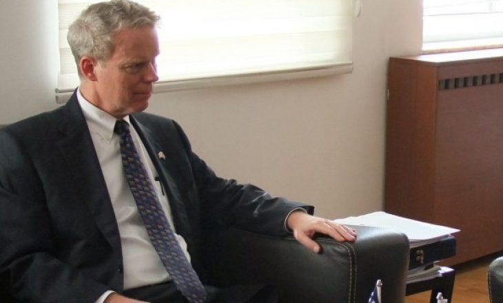 Ambasadori Delawie: I qëndroj prapa kritikave ndaj opozitës