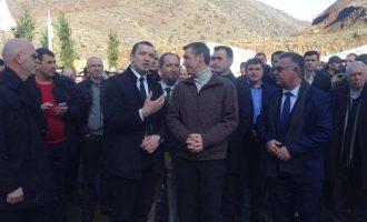 Kadri Veseli promovoi fabrikën e të akuzuarit për uzurpim