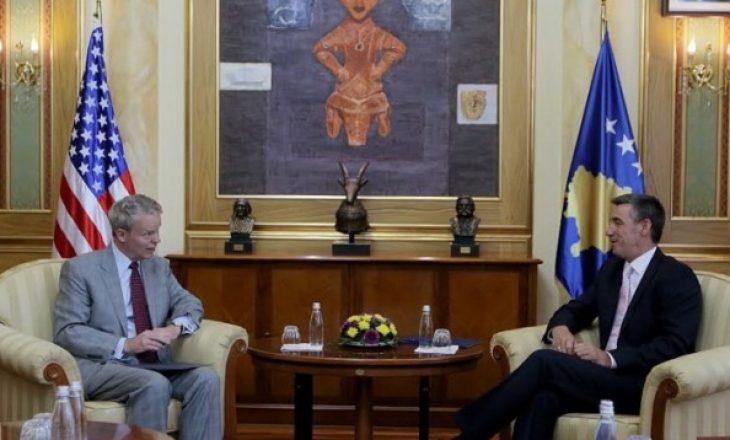 Ambasadorët kërkojnë të hiqet dorë nga dhuna