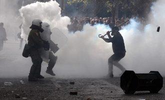 Protesta në Greqi, përplasje mes fermerëve dhe policisë