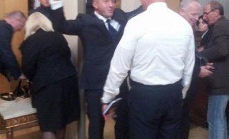 Plani i opozitës: Haradinaj do të gjuaj gaz lotësjellës në takim