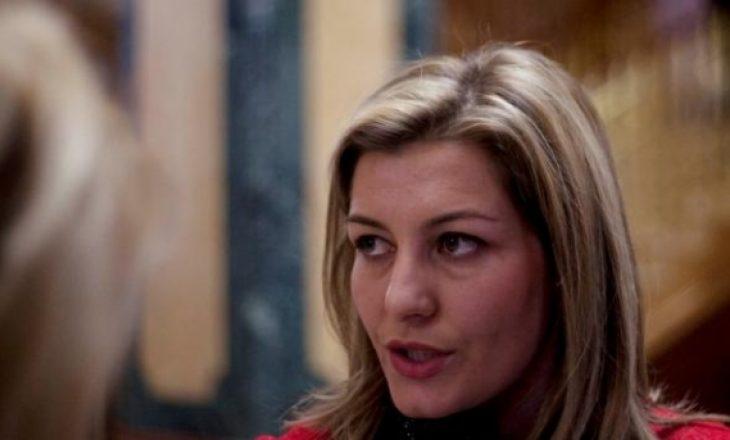 Lama: Kosova të ndalojë mbajtjen e burkës nëpër vende publike