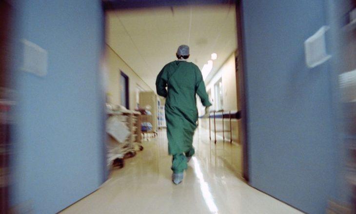 Serbia kthen në Kosovë 700 mjekë