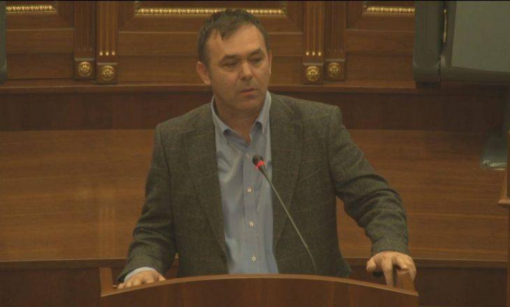 Selimi komenton deklaratën e Kurtit: Se kush është me Amerikën shikoni protestuesit