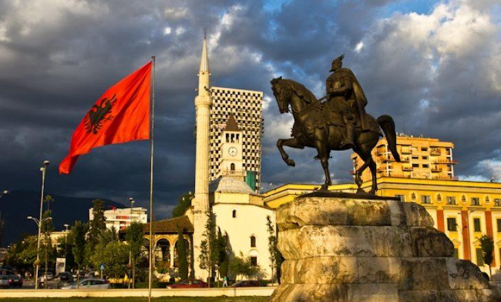 Shqipëria pritet t'ia sjellë një njohje Kosovës