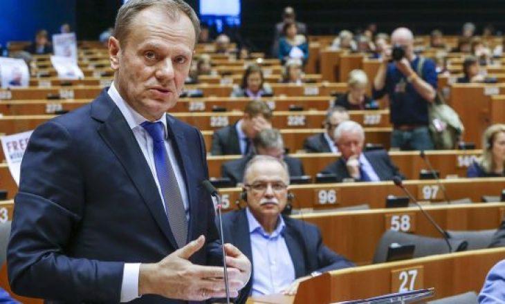 Tusk: Marrëveshja e Britanisë së Madhe me BE-në është e pakthyeshme