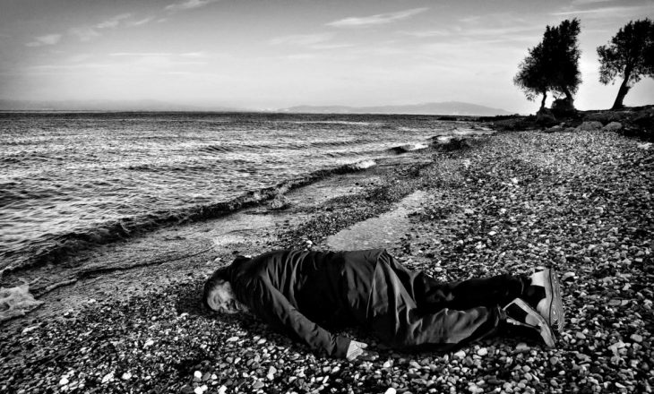 Ai Weiwei inskenon vdekjen e fëmijës sirian