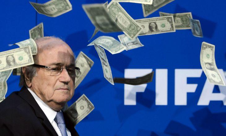 Ish-presidenti i FIFA-s Sepp Blatter pezullohet mbi gjashtë vite nga futbolli