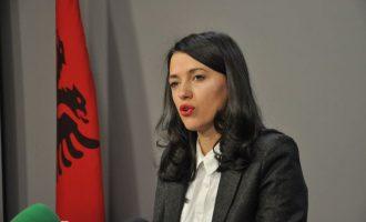 Deputetja Haxhiu kërkon hetim për Imer Bekën e Fitore Sadikajn