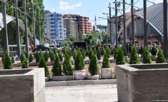 Telenovela e barrikadës në Mitrovicë mund të përfundojë në qershor