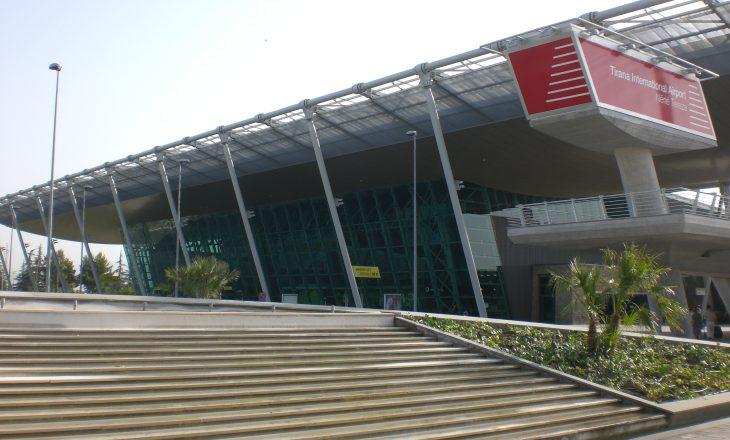 Pezullohen fluturimet nga Rinasi deri më 8 prill