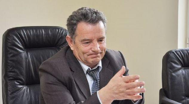 Gjykata e Pejës përfshihet në një kontest për 15 mijë e 500 euro të dhëna për lirimin nga burgu të një dilleri droge