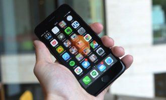 iPhone 7: Sa i mirë është një telefon bateria e të cilit nuk mban as një ditë të vetme?
