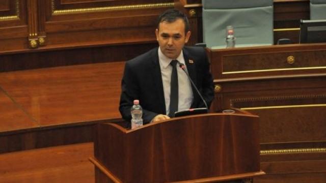 Eskalon debati: LDK kërkon që një deputet i LVV-së të përjashtohet, Selimi harrojeni këtë harrojeni