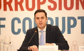 Abdigjiku: Kosovarët s'i kanë pritur veç Shqipëria por e gjithë bota