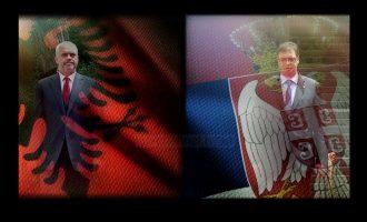 """Kosova mes takimit të """"dy shqiponjave"""""""