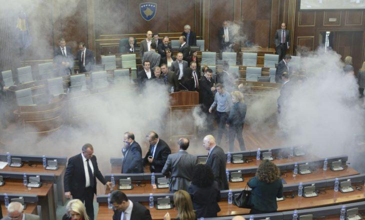 Gazi në Kuvendin e Kosovës në mesin e incidenteve më të mëdha politike në botë