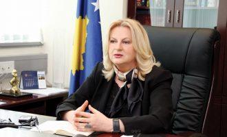 Edita Tahiri përplaset me Hotin e Mustafën