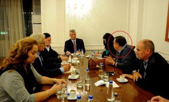 Thaçi takohet me serbin që e akuzon atë se ka qenë në dijeni për kidnapim të 9 serbëve