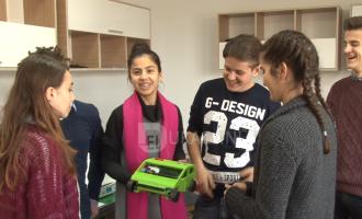 Bonevet dhe IPKO krijojnë veturën e parë elektrike në Kosovë