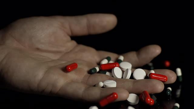 Zvicra ul çmimet e 350 medikamenteve