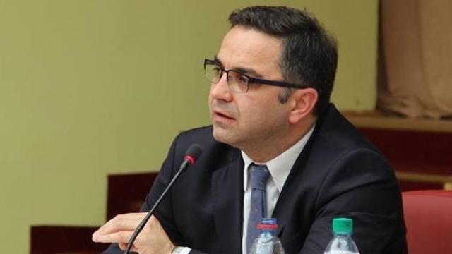 Besnik Tahiri viziton sot Ferizajn dhe Vitinë