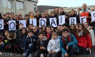 Një grup vullnetarësh francez i del në ndihmë familjes nga Kosova