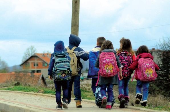 Tre fëmijë lëndohen në një shkollë në Suharekë