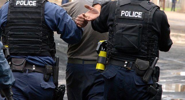 Policia arreston katër shtetas të Shqipërisë për vjedhje të rëndë