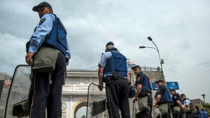 Kuvendi maqedonas nën kontroll të policisë, tetë të arrestuar për dhunë ndaj deputetëve