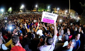 Protestat që mund t'ia prishin strategjitë ish-shahistit që u bë president