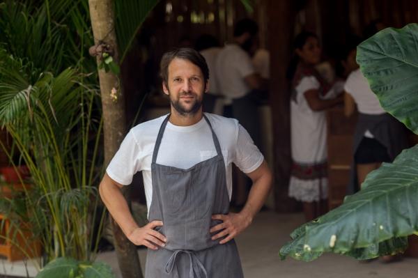 Rene Rexhepi hapë restaurant në një xhungël në Meksikë