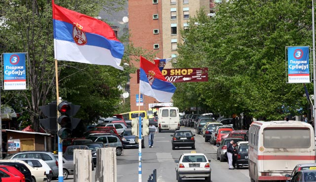 12 mijë serbë në veri marrin rroga nga Qeveria e Serbisë