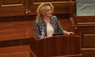 Deputetja e VV-së: Sulmet ndaj figurave publike i shkojnë për shtati pushtetit