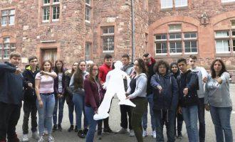 17-vjeçari dëbohet nga Gjermania për në Kosovë, klasorët mbeten të tmerruar