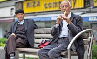 Mediumi gjerman, RND: Çdo i dyti kosovar jeton me më pak se 1 euro e 40 cent në ditë