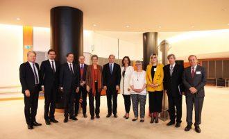 """Ministri shpreson se vizat liberalizohen përmes """"miqësisë"""" me eurodeputetët"""