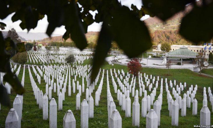26 vjet nga masakra e Srebrenicës