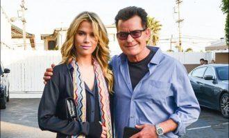 E dashura e Charlie Sheen: Nuk frikësohem pse bashkëshorti ka HIV