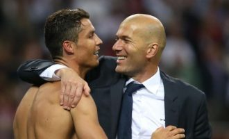 Zidane i telefonon Ronaldos