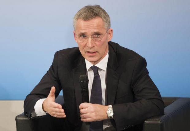 Sekretari i NATO-s siguron Serbinë: Nuk ka ushtri të Kosovës pa pëlqimin e serbëve