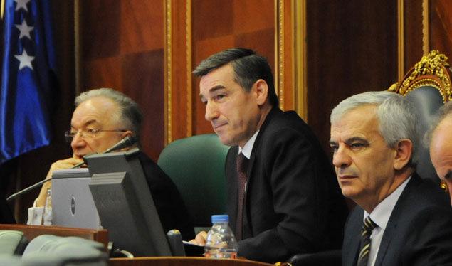 Vetëvendosje kërkon nga PAN-i ta tërheqë kandidaturën e Kadri Veselit