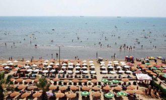 Mjekët në Durrës japin arsyet pse po ndodhin mbytje të pushuesve