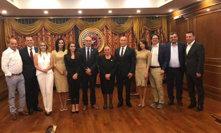 Katër burrat që vendosën për votën e Teuta Rugovës