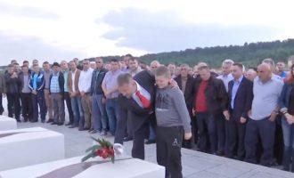 """Vizita e Lushtakut në Prekaz dhe """"djali i Adem Jasharit"""""""