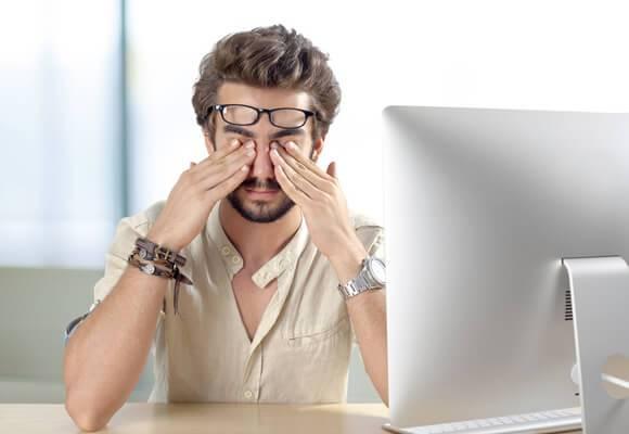 Kontrolloni sytë, mund ta zbuloni nëse keni koronavirus
