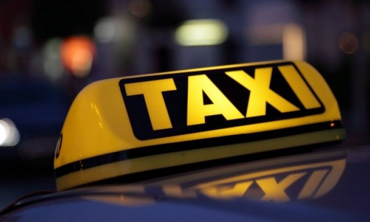 """Goditet vetura e një taksisti nga plumbi """"qorr"""" në Prizren"""