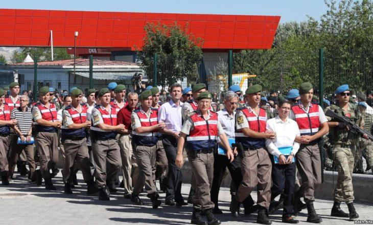 Qindra persona gjykohen për puçin e dështuar në Turqi