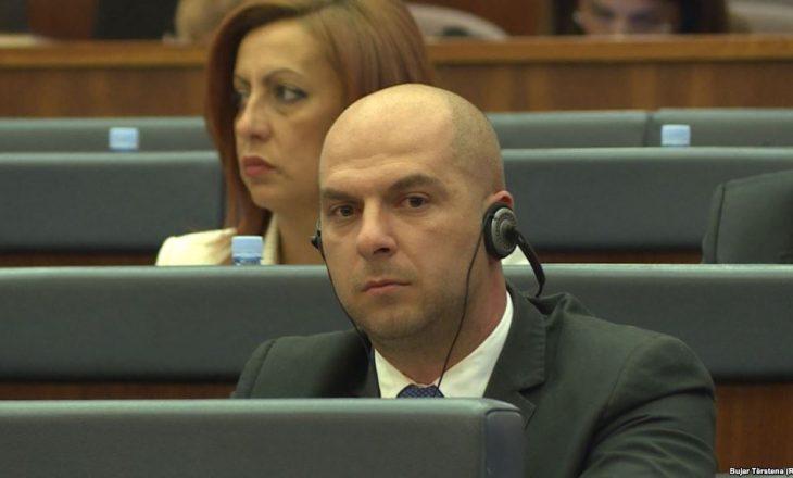 Pas arrestimit të serbit për krime lufte, Lista Serbe ka një kërkesë për ndërkombëtarët